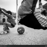 Bambini che giocano a Cusco, Perù.