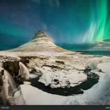 Aurora boreale sopra il kirkjufell.
