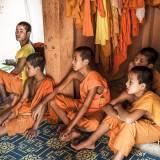 Laos - Giovani monaci nella regione di Luang Prabang.