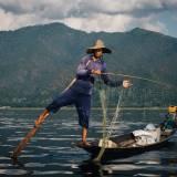 Pescatore nel lago Inle.