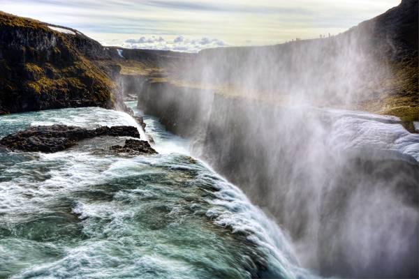 Gullfoss - una delle più note e belle cascate dell'Islanda sud-occidentale