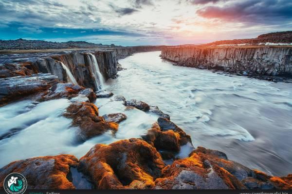 Fotografie realizzate presso la cascata di Selfoss.