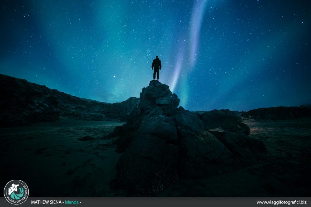 selfie con aurora boreale in islanda