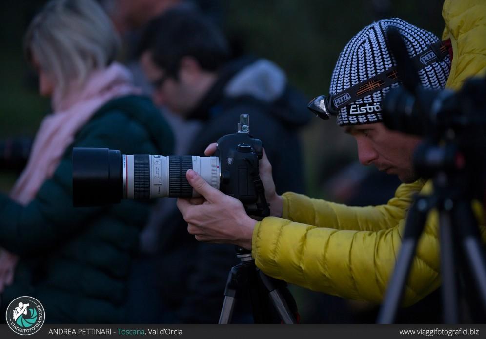 Sessione fotografica all'alba con torcia frontale