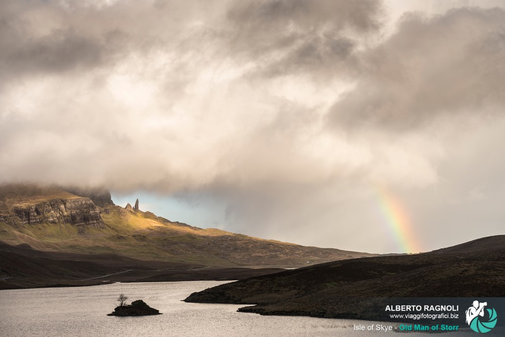 Arcobaleno presso Old Man of Storr, Isola of Skye.