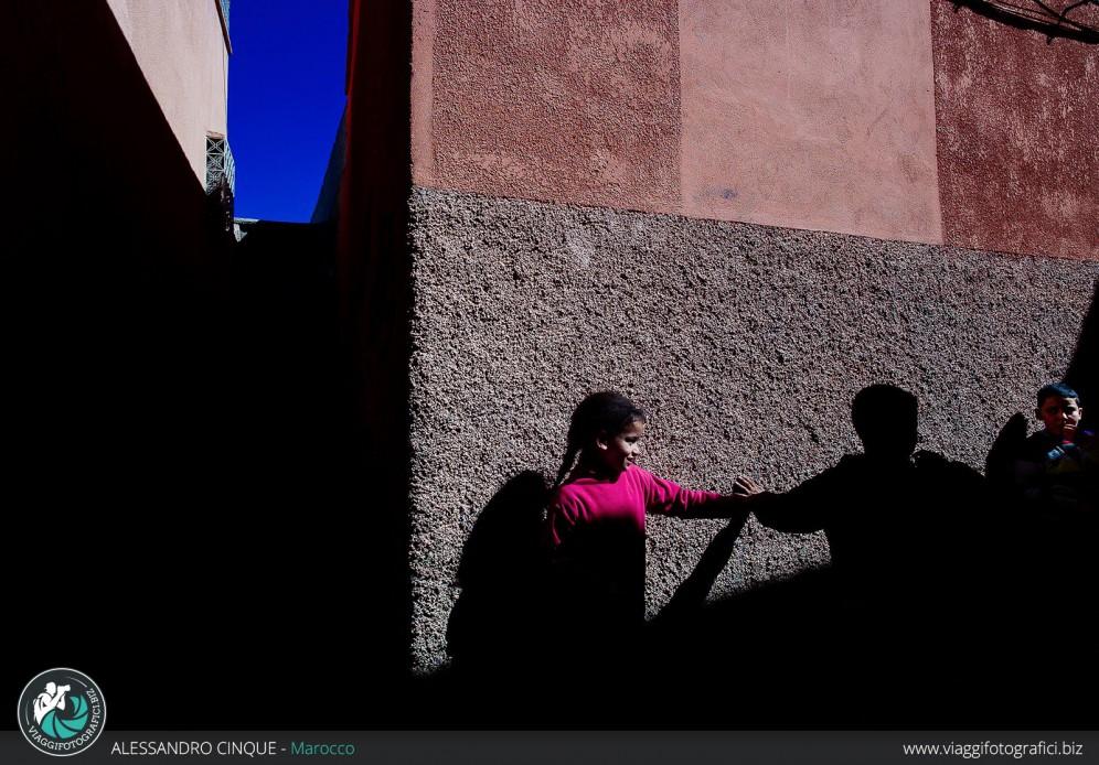 Contrasti di luce e ombre a Essaouira, Marocco
