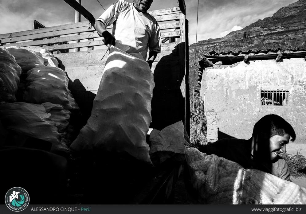 Lavoratori a Puno, Perù.
