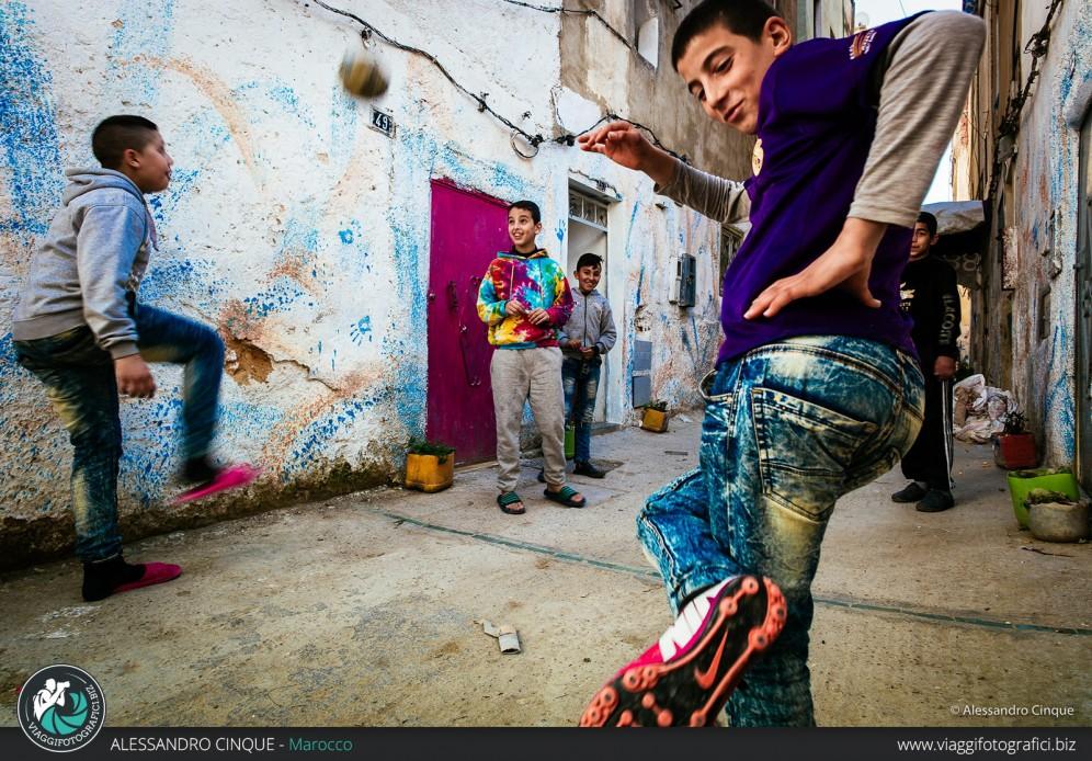 Reportage di giochi a Fes, Marocco