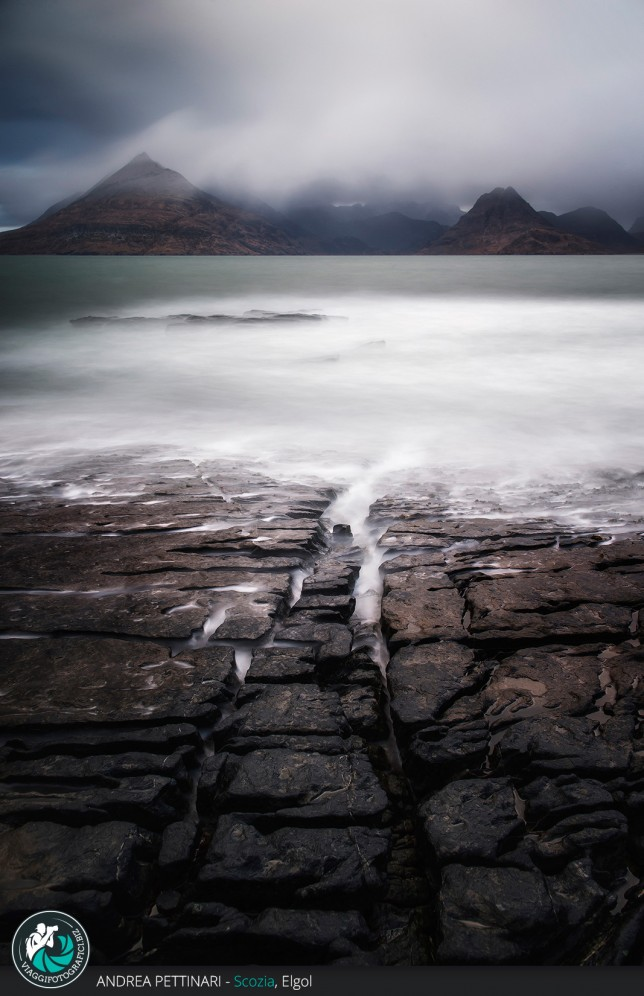 Roccia Oceano e monti ad Elgol
