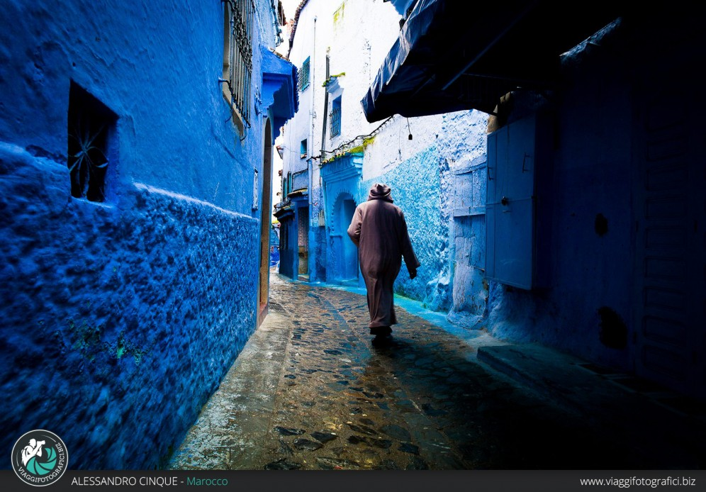 Street photography at Chefchaouen.