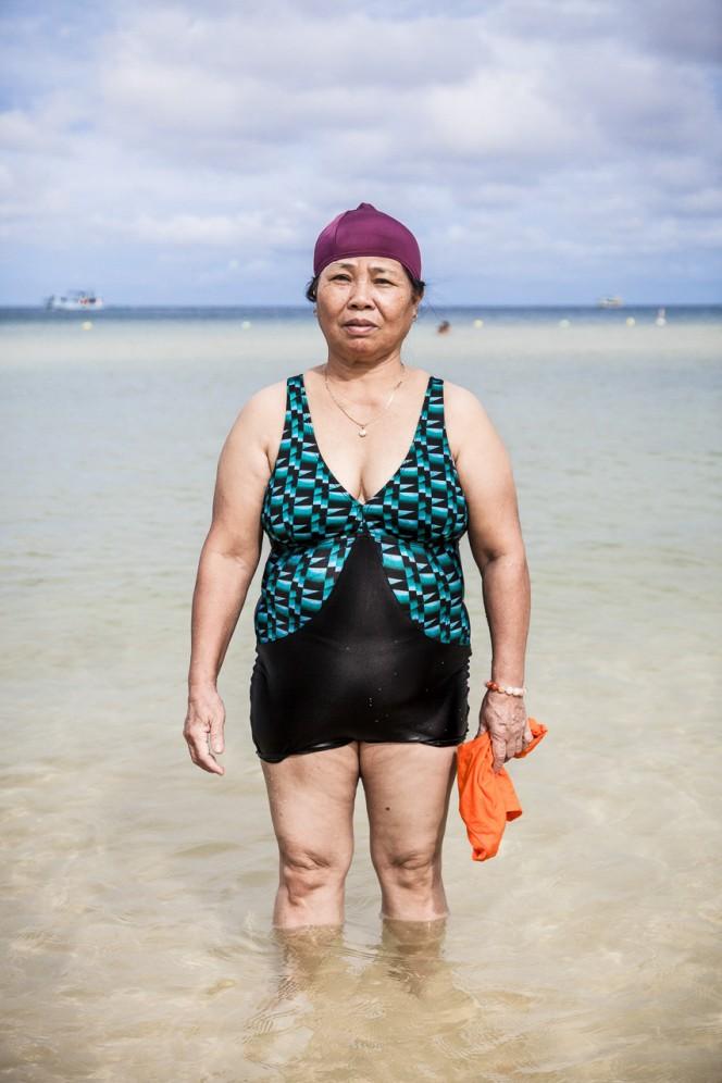 Vietnam - Ritratto di una donna sulle spiagge dell'isola di Phu Quoc.